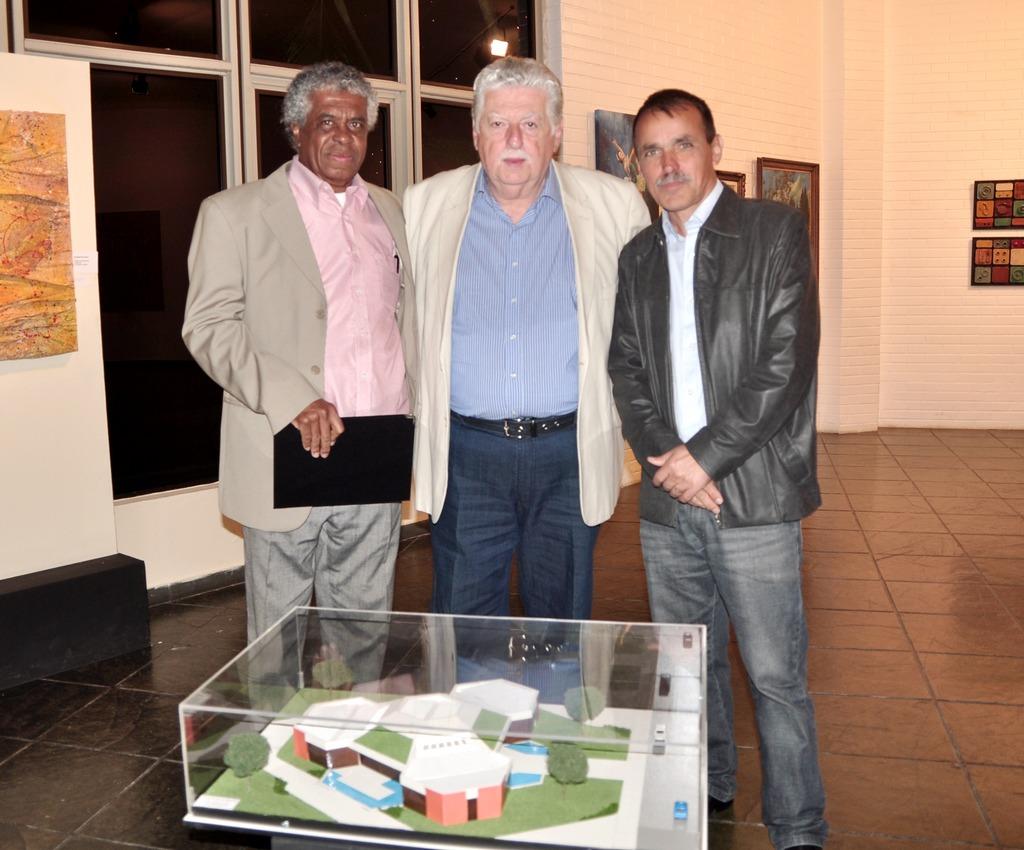 Jorge Sabino, Celso Dalmaso e o secretário de Cultura, Wanderley Peres o passado e o presente da Casa de Cultura Adolpho Bloch