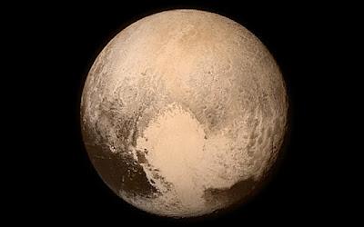 Hipernovas: Está Feito - Sonda New Horizons Passa Direto Por Plutão e Suas Luas [Artigo]