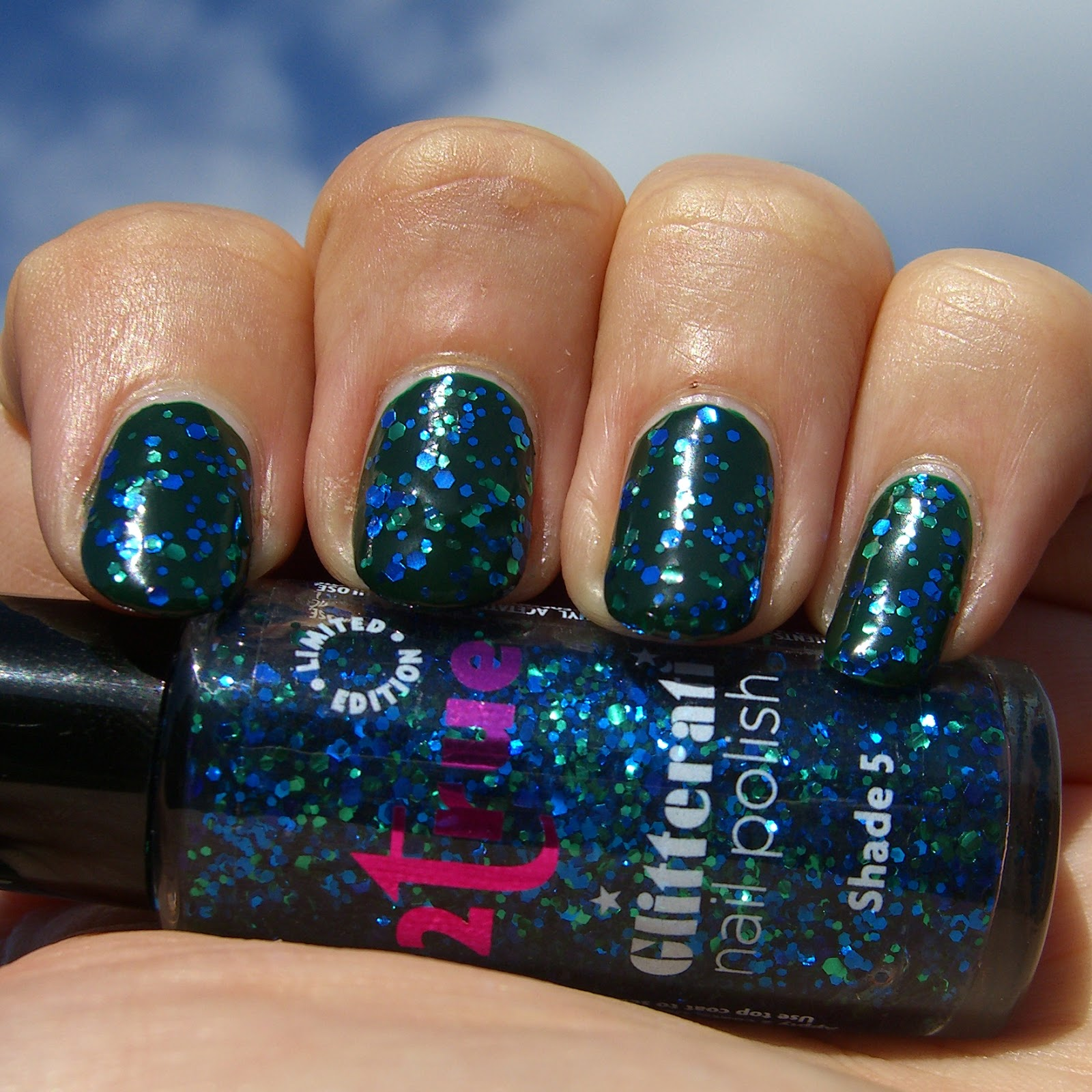 Polish, Plants & More....: 2true Glitterati - Shade 5 - Blue & Green ...