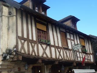 Auberge de Nolay, cité médiévale, 21