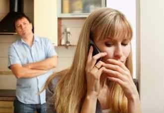 علامات خيانة الزوجة