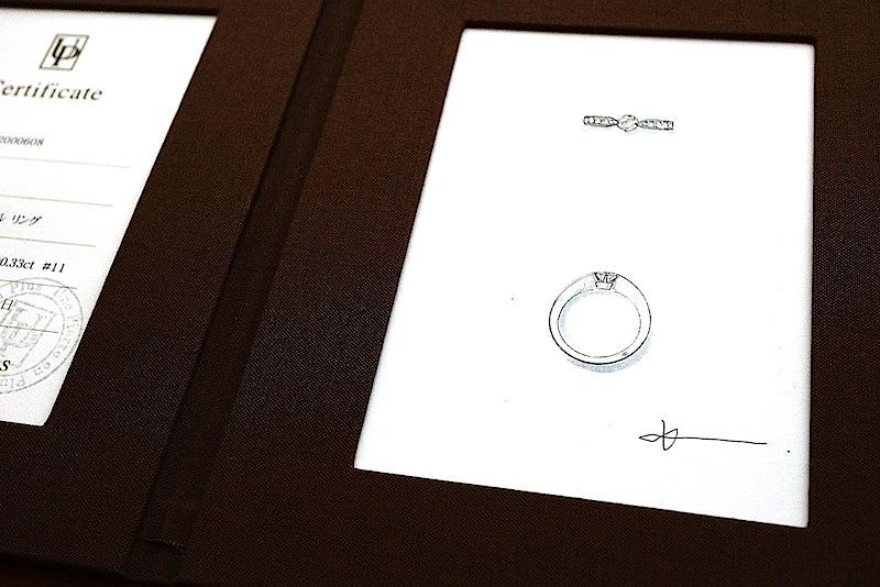 ジュエリーサロンのデザイナーからデザイン画をプレゼント。
