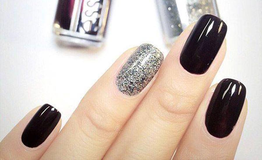 Ladies Silver Nail Design 1
