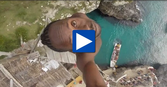 Astonishing Experience Brave Jamaican Man Dives a 100 ft cliff in Rick's Cafe Tourist Spot