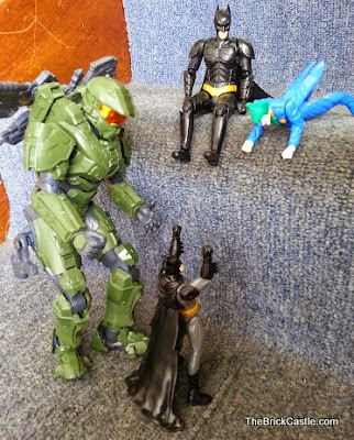 Halo MasterChief and Batman Bandai SpruKit size difference level