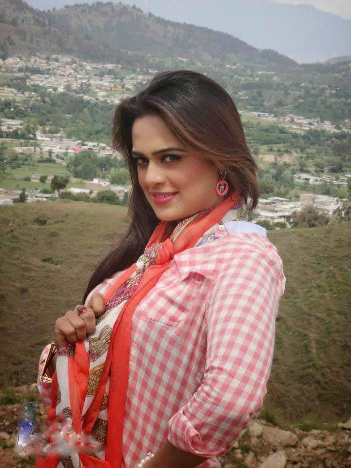Pakistani hot pashto mujra girl Sobia khan with Arbaz khan new pashto