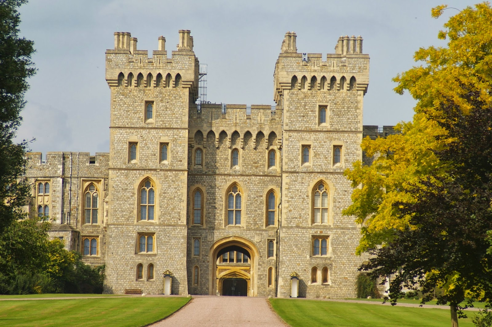 World Visits Windsor Castle Queen Mary S Doll House In