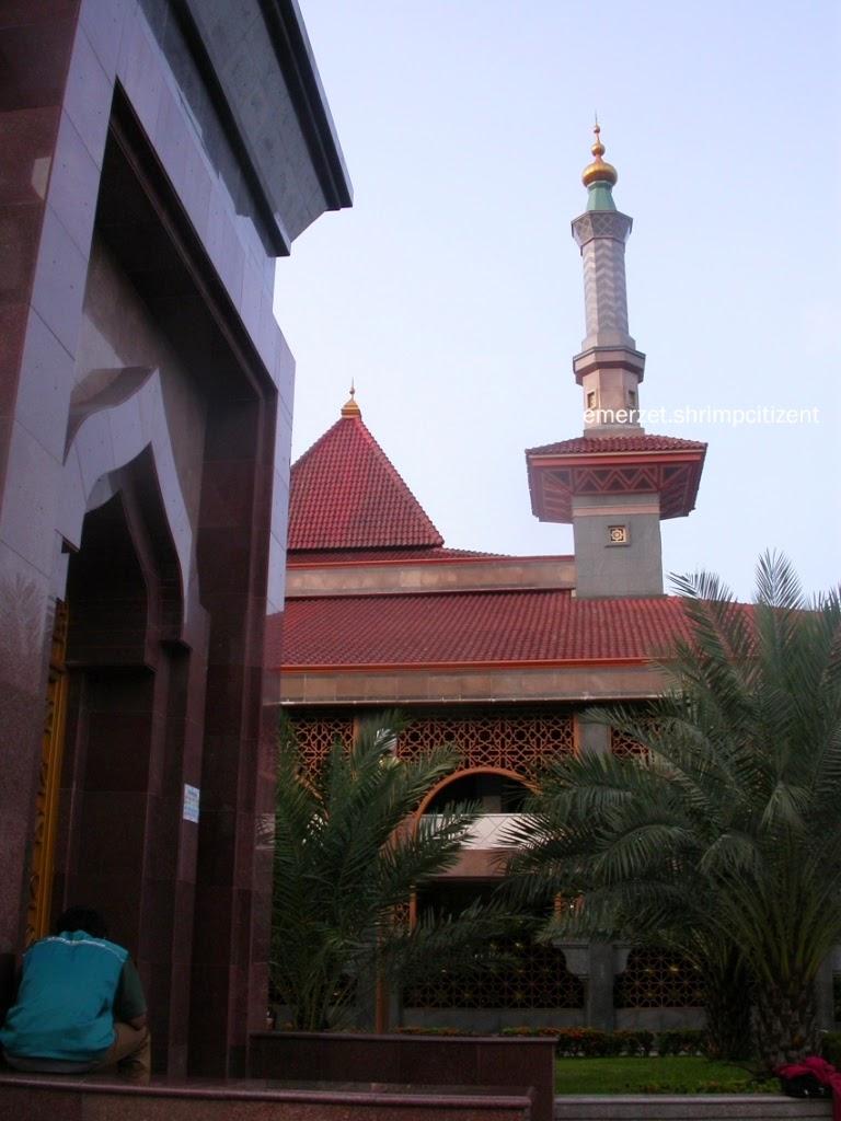 Kota Cirebon -  salah satu dari empat minaret Masjid Raya At-taqwa