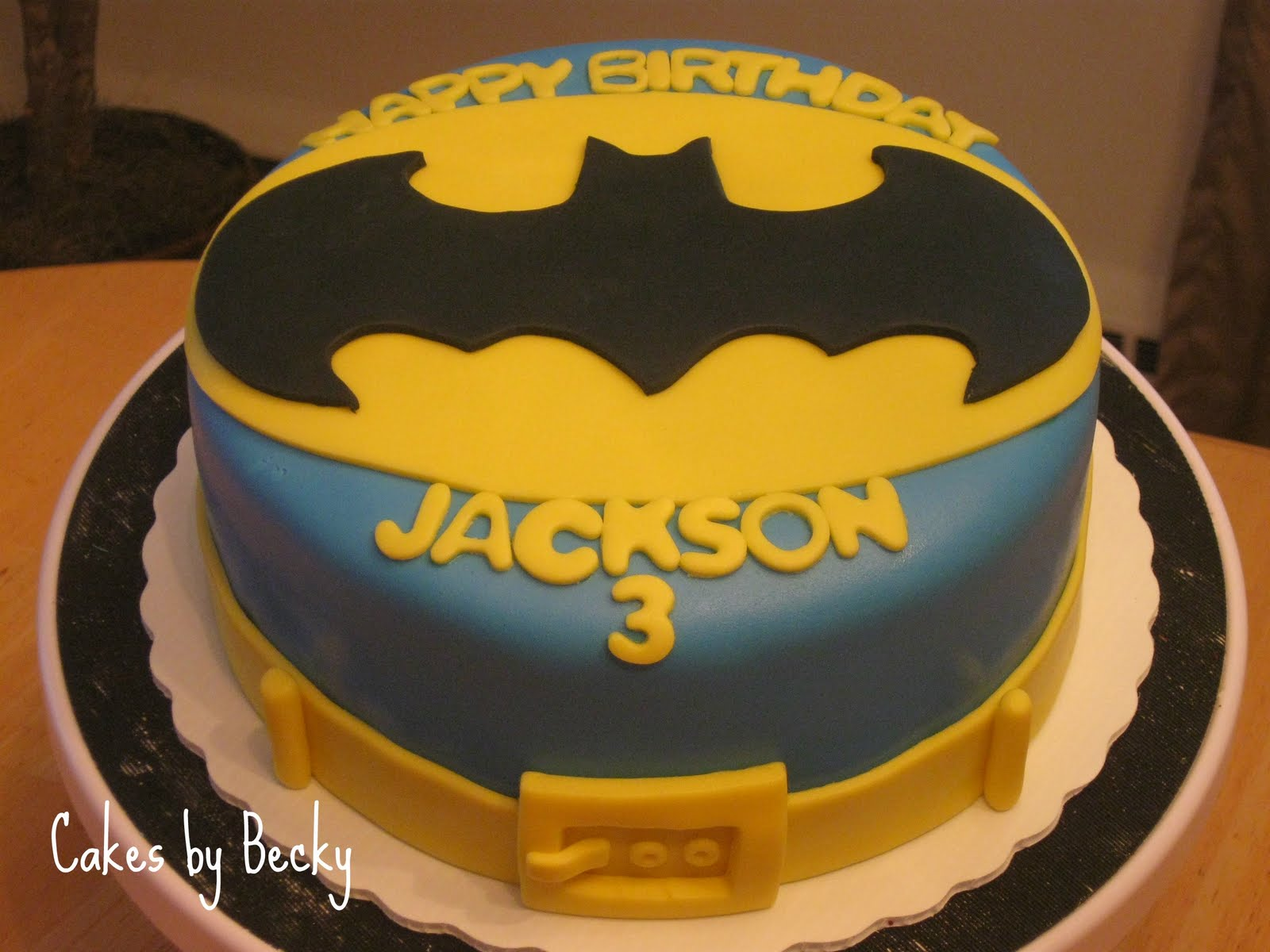 Fun cake to do for a little Batman fans 3rd Birthday! Chocolate cake ...