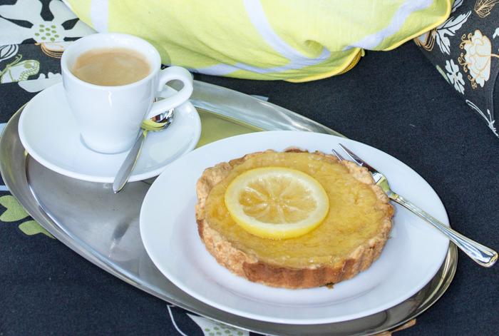 Sommerliche Rezepte für einen erfrischenden Kuchen. Zitrone: Sauer macht lustig und erfrischt