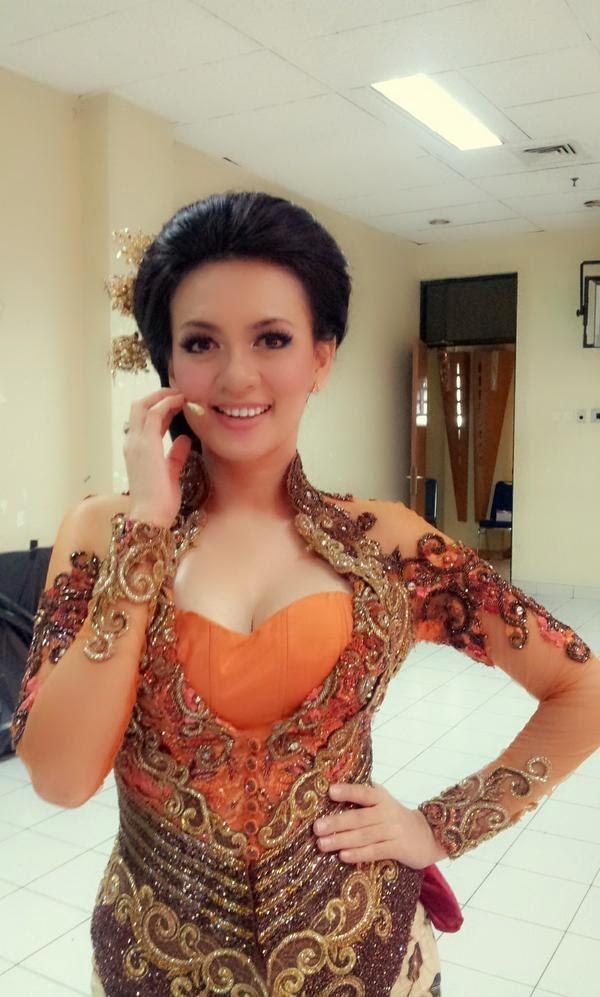Cewek Cantik Indonesia Yeyen Lidya
