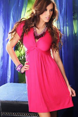 FUCHSIA KNIT V NECK TWISTED FRONT SHORT SLEEVE DRESS