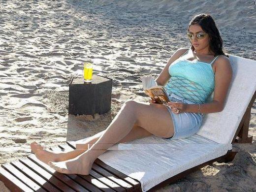 hot-namitha-maya-sexy-tamil-movie-actress-photos-stills-wallpapers-pics-blog-hotsexy-booby-boobs-figure-nude-naked