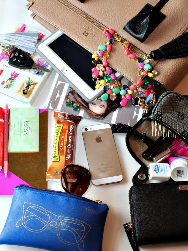 must haves in any blogger's bag