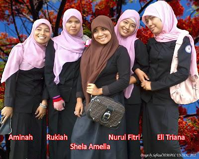 Mahasiswi Jurusan Ilmu Politik UNIMAL angkatan 2009 Foto Bersama di Kampus Bukit Indah.