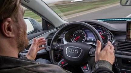 Τη δικτύωση ad-hoc οι Εταιρείες όπως η General Motors, η Toyota, Nissan, η DaimlerChrysler, η BMW και η Ford προωθούν την τεχνολογία αυτή και θέλουν να την ενσωματώσουν στα νέα τους μοντέλα.