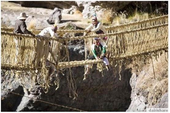 Pelik Tapi Benar Jambatan Hanya Di Perbuat Daripada Rumput