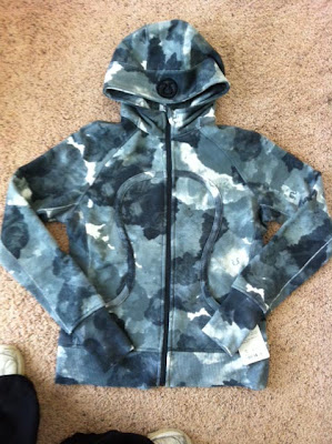 lululemon Scuba hoodie in Tinted Canvas print