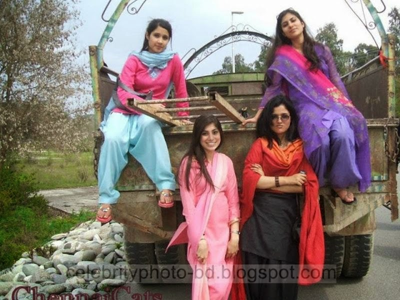 Pakistani+School+And+Colleges+Universcity+Girls+Photos+Images+Pictures+2014002