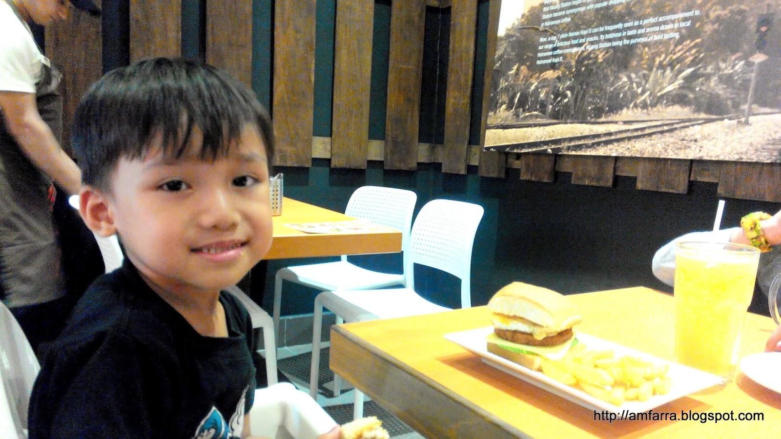 Hari jadi anak di Kluang Railway Station Setia City Mall
