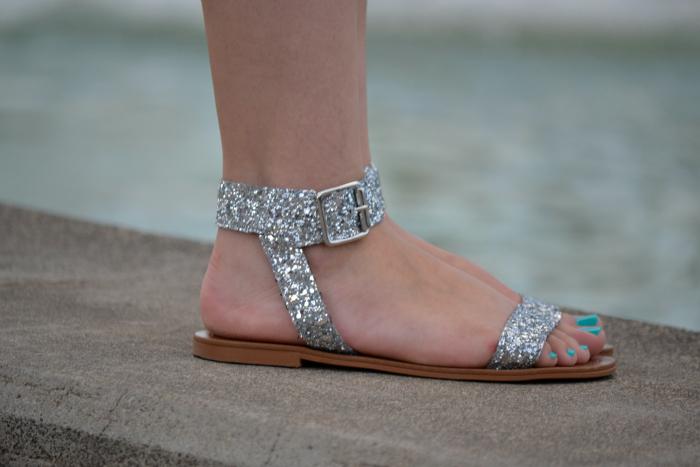Look_Outfit_Verano_Sandalias_Glitter_Lovelypepa_Bolso_Silicona_Nudelolablog_06