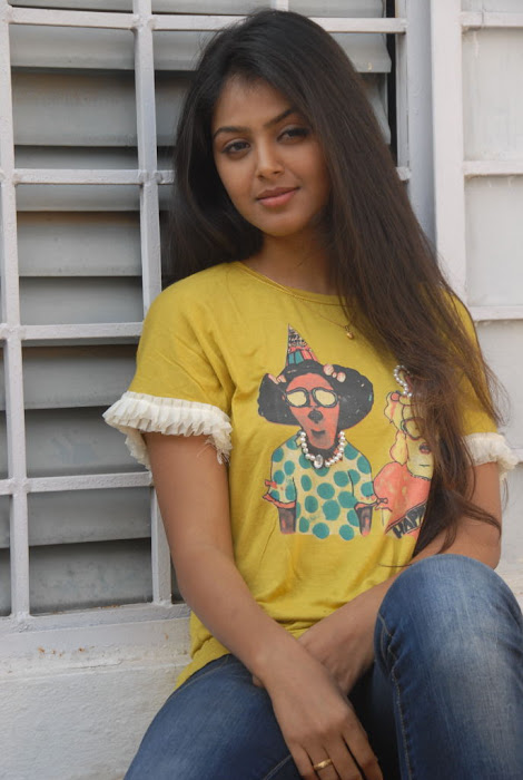 monal gajjar new new movie launch glamour  images