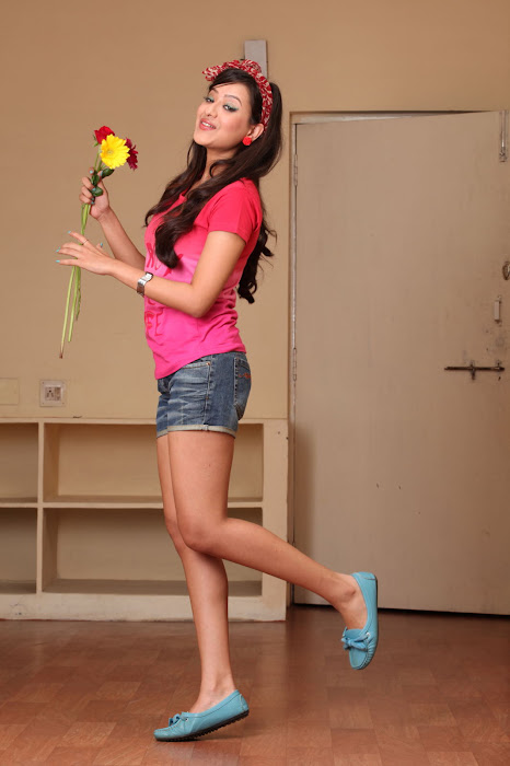 madalasa sharma from feel my love, madalasa sharma photo gallery