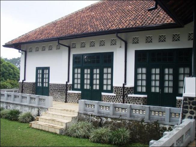 4 rumah kuno yang paling unik di indonesia yg unik