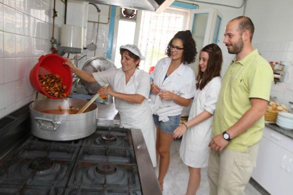 Campo de trabajo en villagarc a de arosa comunidad for Villa bonita violeta