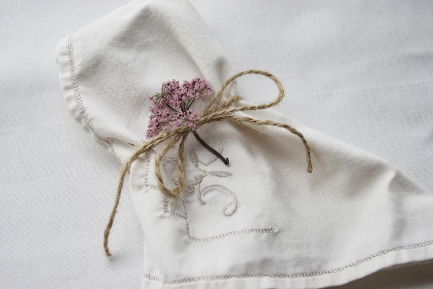 Servilleteros con flores silvestres5