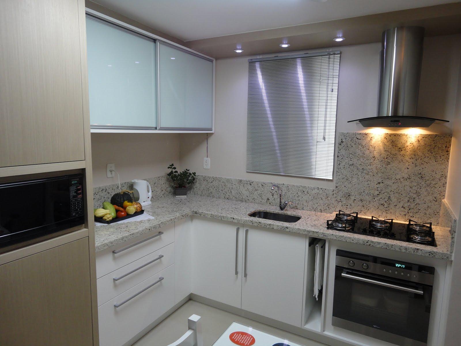 Na cozinha pequena opte por um fogão demesa esqueça a porta de  #846047 1600 1200