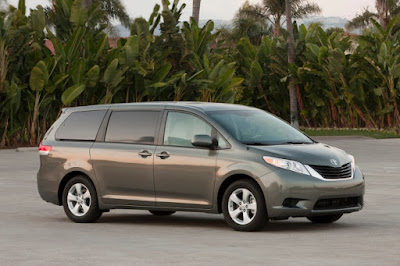 2011 Toyota Sienna side view