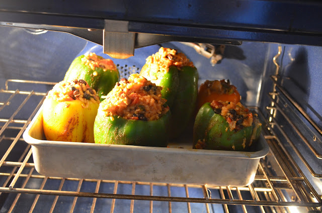 Chicken-Fajita-Stuffed-Bell-Peppers-Bake.jpg