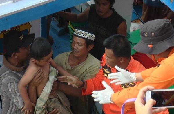 Pencarian Korban Tenggelamnya Kapal Marina Baru Di Kolaka Dan Siwa