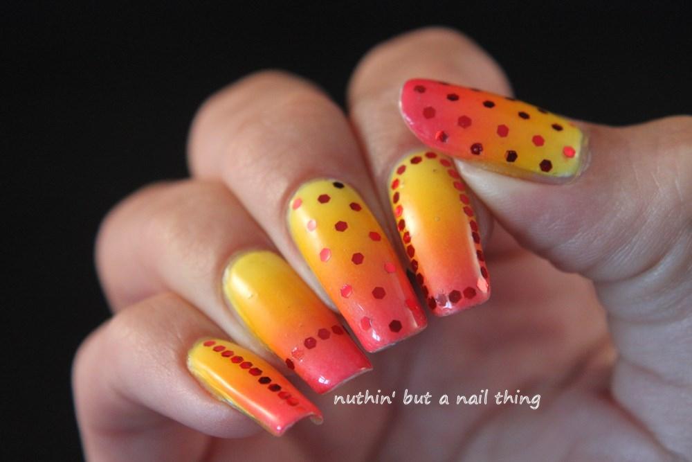 gradient glitter nail art