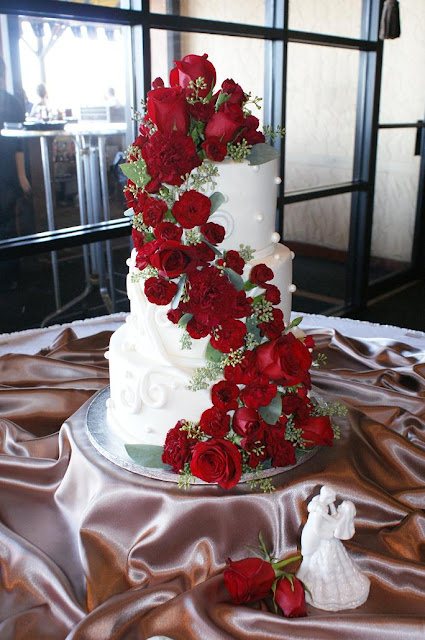 Wedding Cake In Tamiami