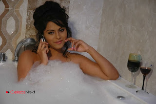Tollywood Actress Rachana Mourya Spicy Stills in Tub 0004