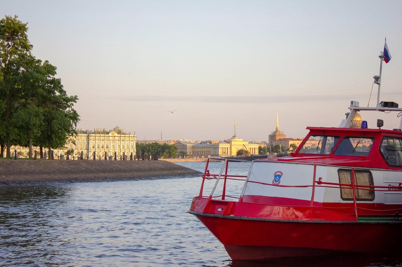 Санкт-Петербург, Россия, Нева