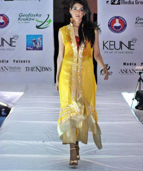 Fashion ki dunia latest mehndi dresses for girls 2012 13