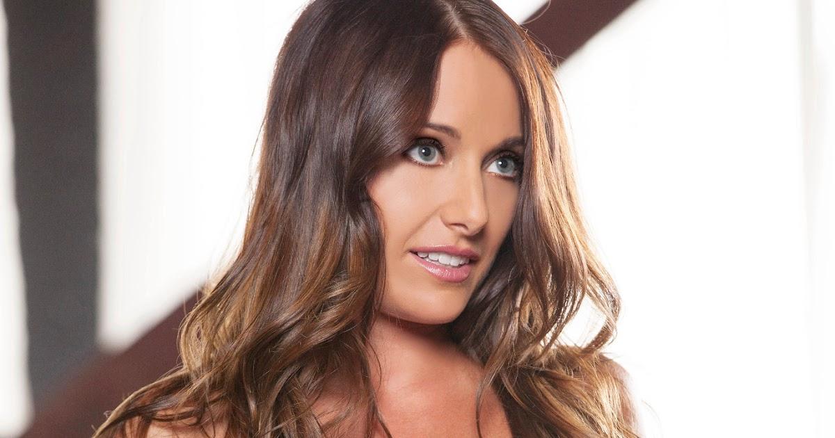 Brielle - Casting Calls Houston 2012 | Hot Backgrounds