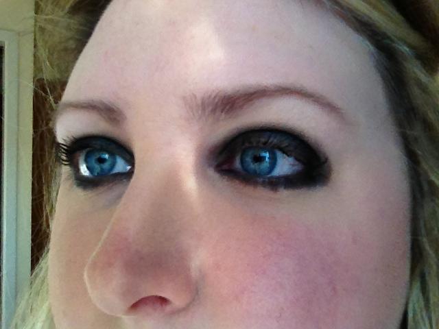 Naked 2 Blackout Eye Makeup Look