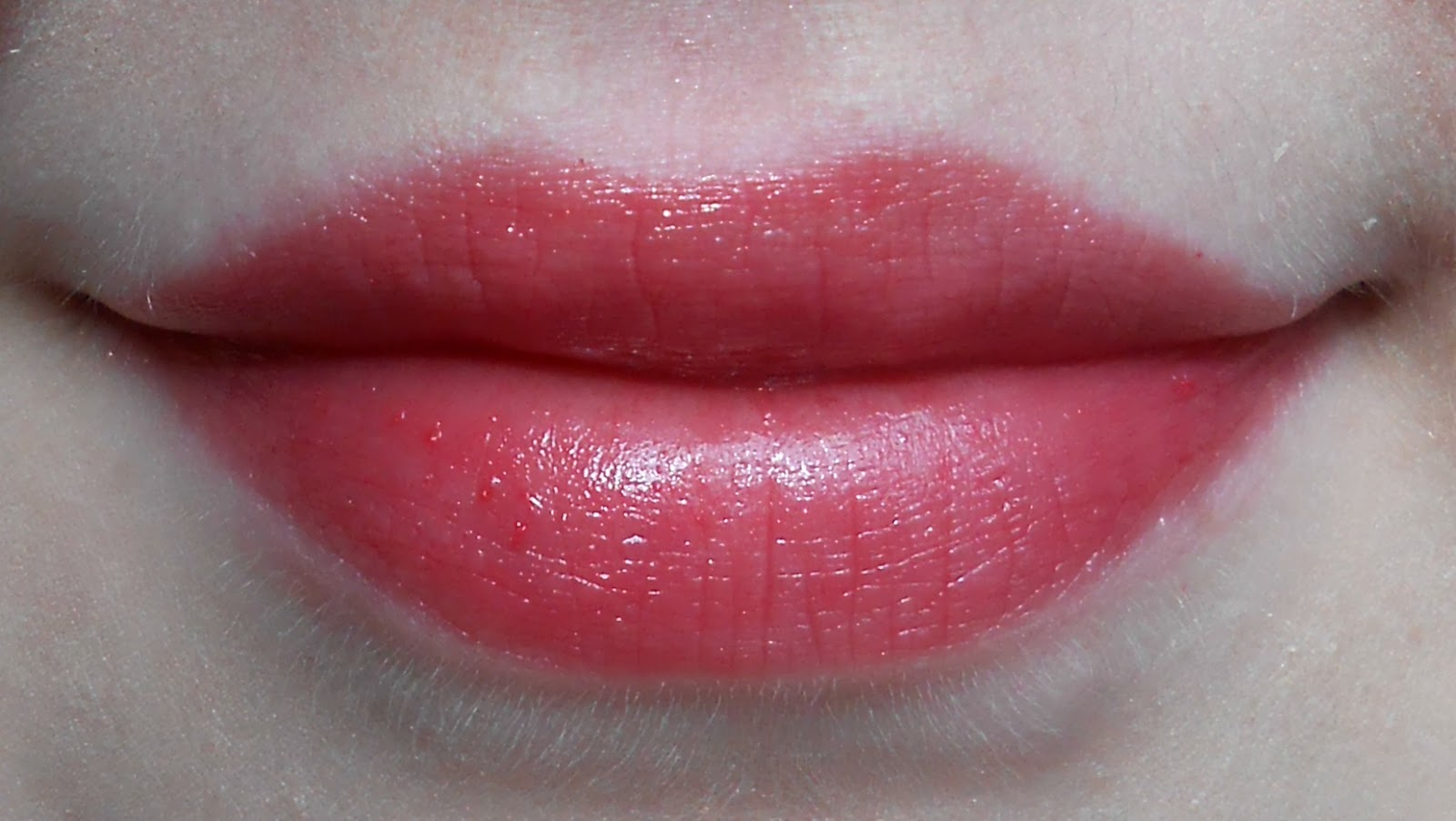 Lipstick - Page 3 Clinique+chunky+cherry+chubby+stick+swatch