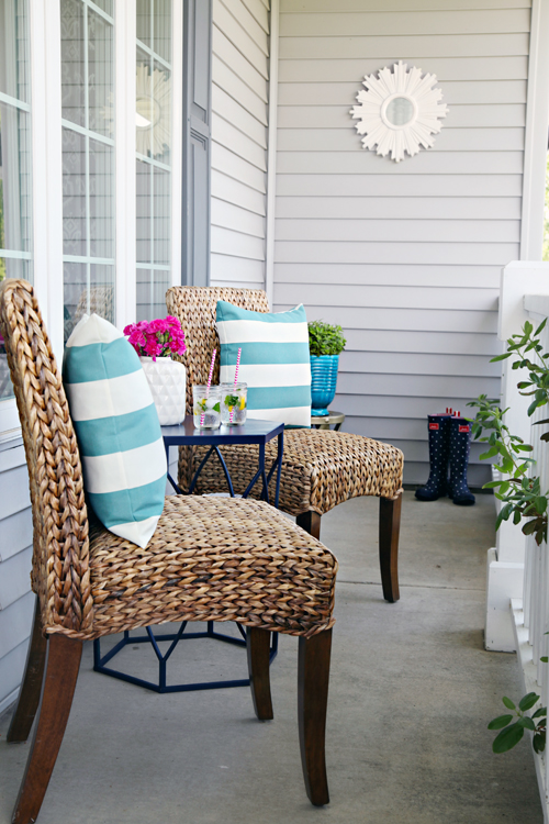Iheart organizing a mini front porch refresh for Front porch patio furniture