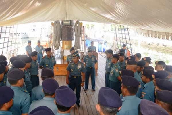 KRI Dewaruci Sandar di Surabaya