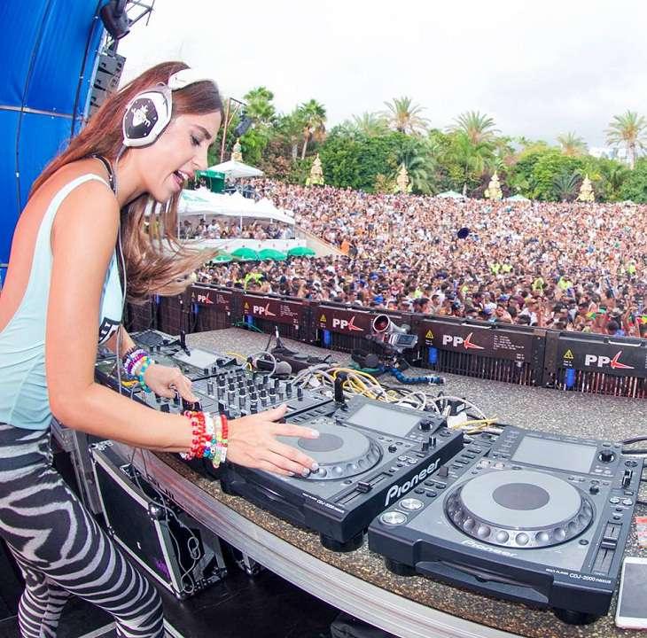 Biodata Profil Marta Martus Alias DJ Juicy M Dan Foto Terbaru