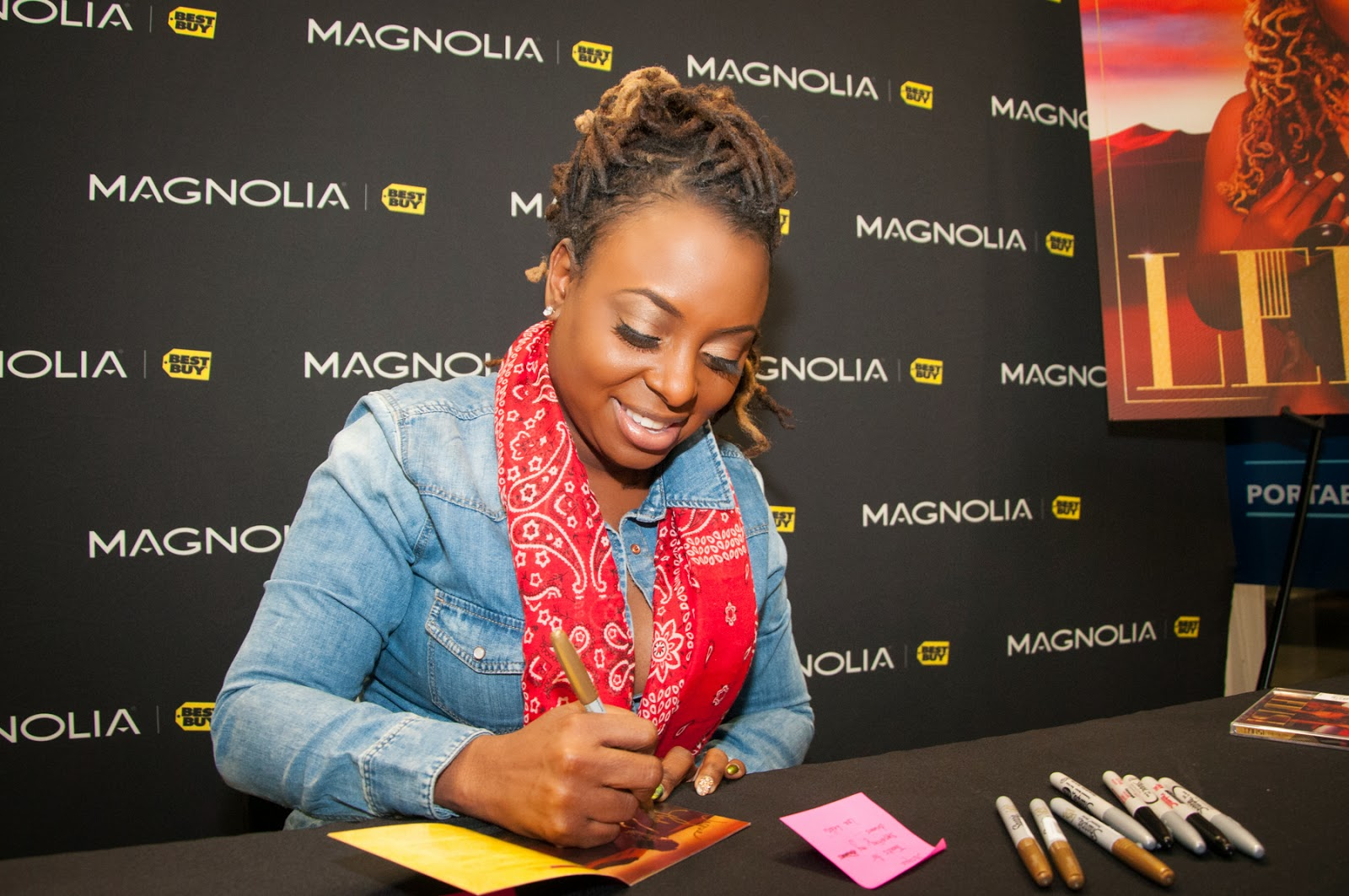 Ledisi signing her newest release The Truth, Autograph signing, Magnolia Theater Best Buy