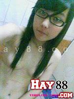 Em gái 9x  4 mắt vào nhà tắm tự sướng ( ko che ) | Maphim.net