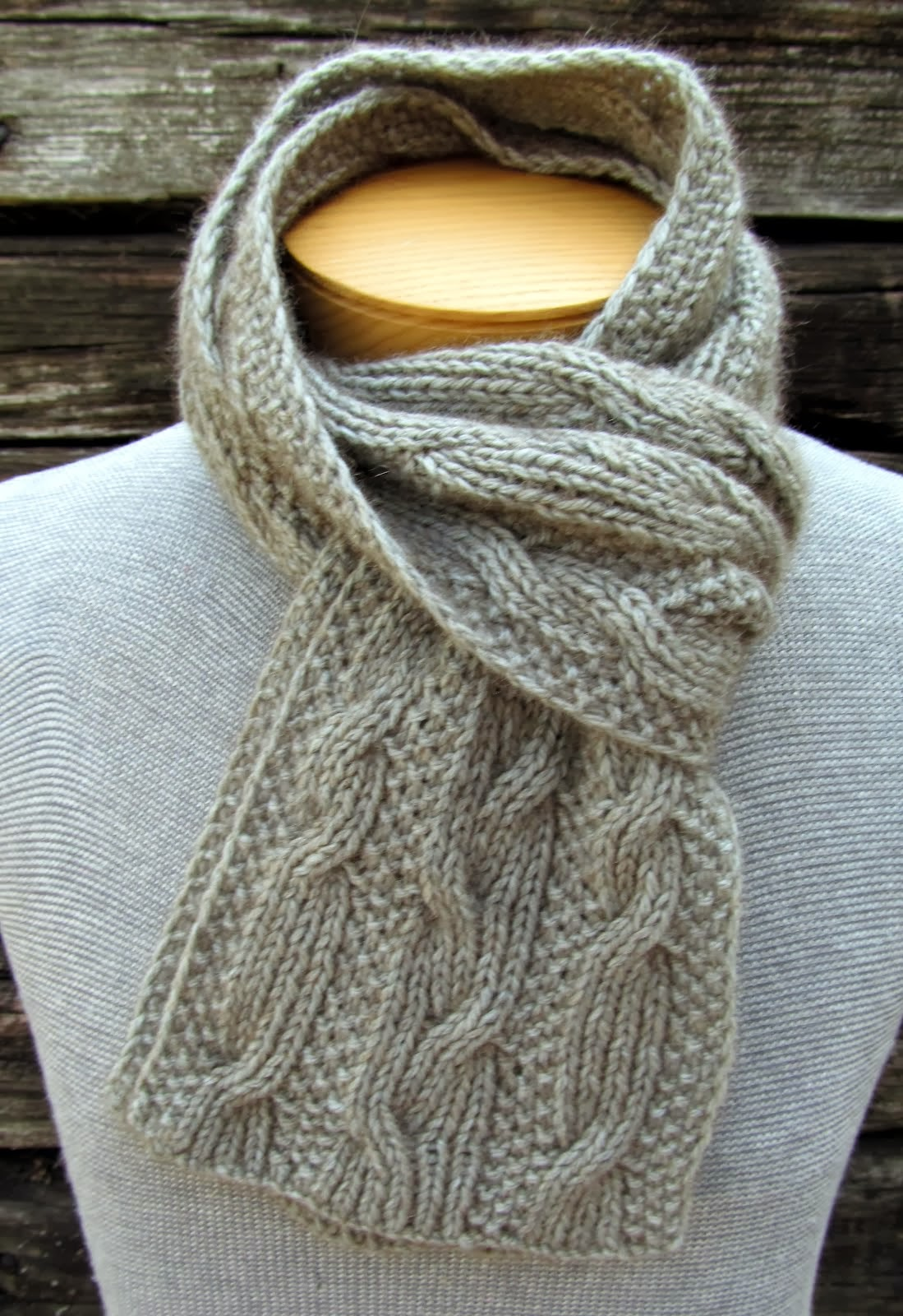 Double-Dealing Scarf