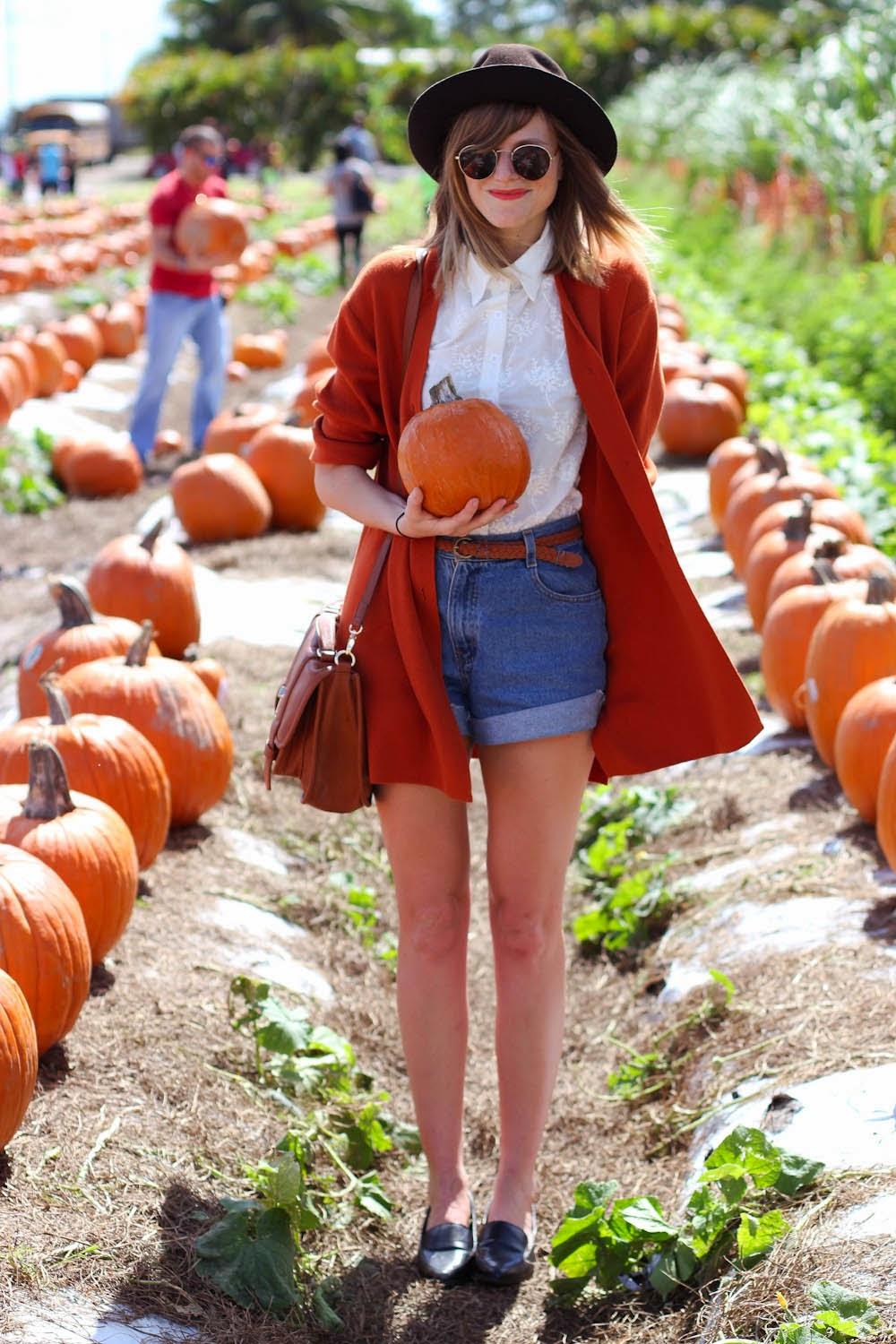 nyc vintage blog, vintage fashion blog, nyc fashion blog, fall outfit, vintage cutoffs, pumpkin patch style