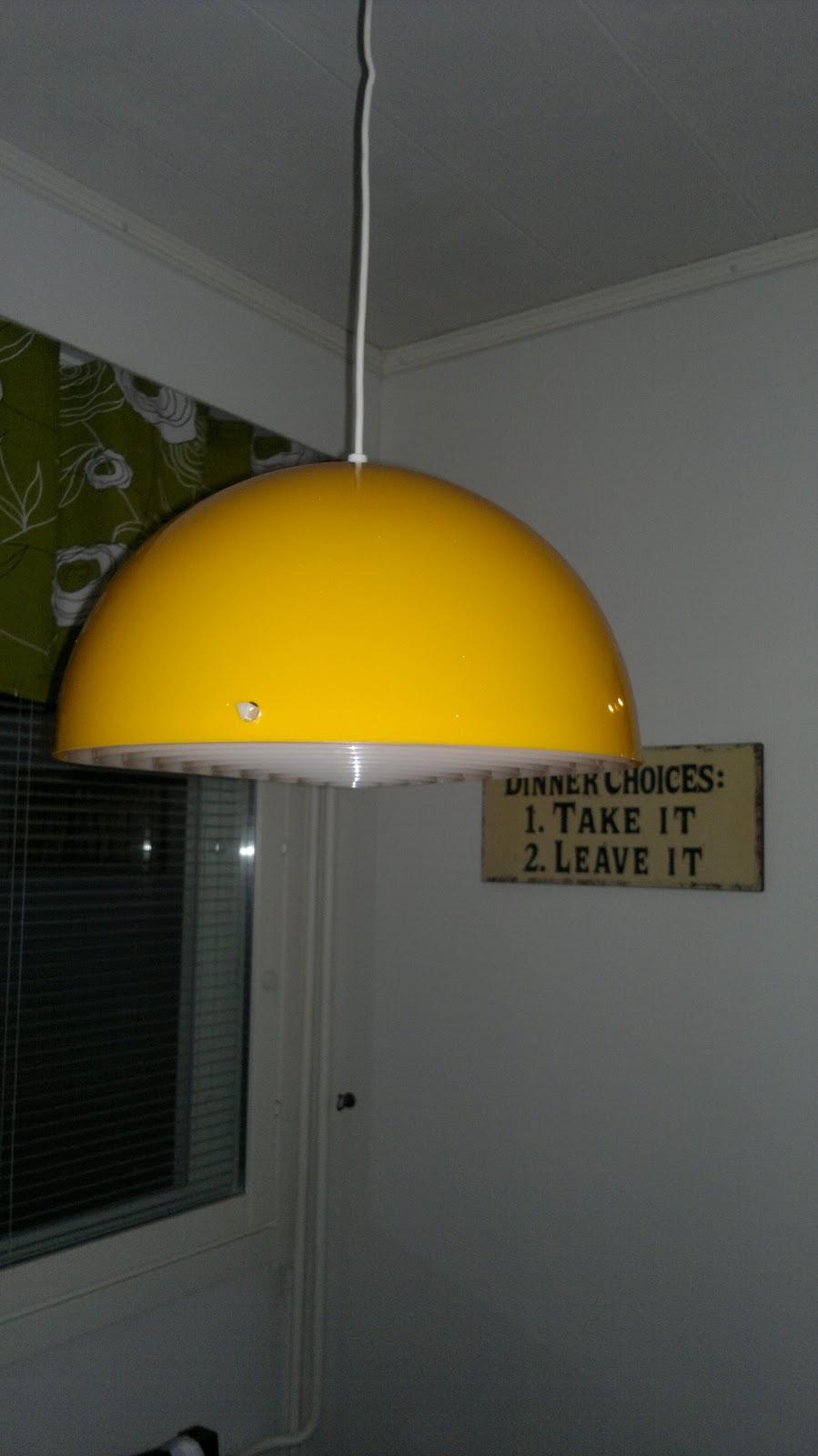 KäsinRäveletty Retro lamppu!
